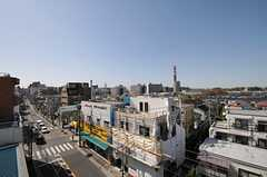 屋上から見た風景。昭和記念公園の花火が見えるのだとか。(2013-04-08,共用部,OTHER,5F)