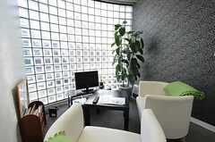 ソファ席の様子。(2013-09-02,共用部,LIVINGROOM,2F)