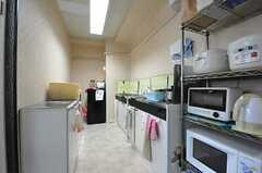 キッチンの様子。(2013-09-02,共用部,KITCHEN,2F)