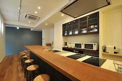 キッチンの様子。(2014-01-30,共用部,KITCHEN,2F)