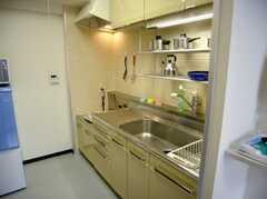 キッチンの様子。(8011 - 8013号室)(2007-03-13,共用部,KITCHEN,8F)