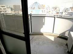 専有部の様子4。ベランダ付きの部屋も多い。(8012号室)(2007-03-13,専有部,ROOM,8F)