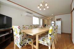 奥にキッチンがあります。(2012-11-29,共用部,LIVINGROOM,3F)