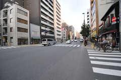 駅前は大通りです。(2012-11-29,共用部,ENVIRONMENT,1F)