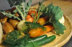 月に1度、契約農家さんから有機野菜が届くのだそうです。(2013-08-12,共用部,KITCHEN,1F)