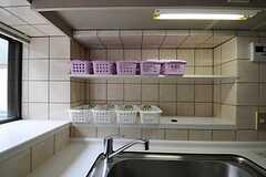 部屋ごとに分けられたストッカーの様子。(2011-07-12,共用部,KITCHEN,3F)