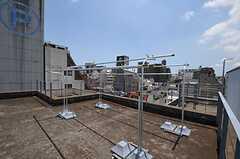 屋上では物干しもできます。(2011-07-12,共用部,OTHER,2F)