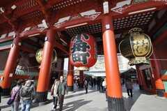浅草寺周辺の様子。(2010-02-03,共用部,ENVIRONMENT,1F)