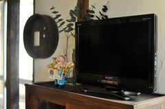 TVは小さめです。(2010-08-16,共用部,TV,2F)