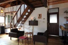 ソファが置かれ、カフェのような一角です。(2010-08-16,共用部,LIVINGROOM,2F)