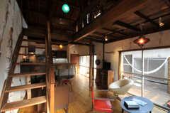 階段の様子。(2010-08-16,共用部,LIVINGROOM,2F)