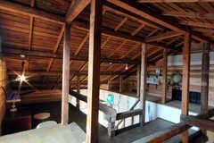 階段を上ると屋根裏空間。(2010-08-16,共用部,OTHER,3F)