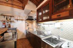 シェアハウスのキッチンの様子。(2010-08-16,共用部,KITCHEN,2F)