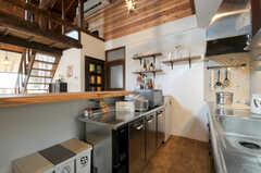 シェアハウスのキッチンの様子2。(2010-08-16,共用部,KITCHEN,2F)
