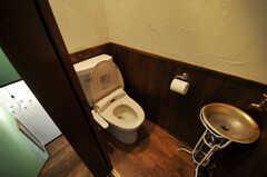 トイレの様子。(2010-08-16,共用部,TOILET,2F)