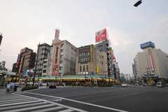 各線・浅草駅前の様子。(2010-08-16,共用部,ENVIRONMENT,1F)