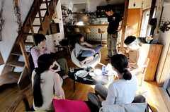 雑誌取材時の様子2。(2010-10-11,共用部,PARTY,2F)