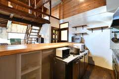キッチン家電の様子。写真にはありませんが、冷凍庫も設置されています。(2019-11-20,共用部,KITCHEN,2F)