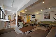 シェアハウスのラウンジの様子4。(2011-08-10,共用部,LIVINGROOM,3F)