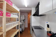 シェアハウスのキッチンの様子2。(2011-03-01,共用部,KITCHEN,2F)