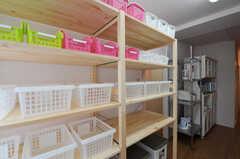 部屋ごとに分けられた食材などを置くスペース。(2011-03-01,共用部,OTHER,2F)
