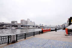 近くには隅田川が流れています。(2011-03-01,共用部,ENVIRONMENT,1F)