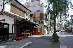 東京メトロ千代田線・千駄木駅からシェアハウスへ向かう道の様子。(2010-10-14,共用部,ENVIRONMENT,1F)