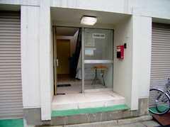 正面玄関の様子。(2006-09-27,周辺環境,ENTRANCE,1F)