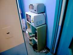 キッチンの様子2。(4F)(2006-09-27,共用部,KITCHEN,4F)