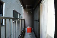 ベランダの様子。(203号室)(2012-10-19,専有部,ROOM,2F)