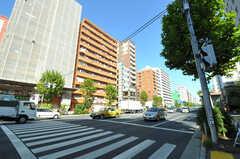 東京メトロ日比谷線・入谷駅前の様子。(2012-10-19,共用部,GARAGE,1F)