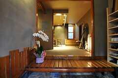 正面玄関から見た内部の様子。(2011-01-11,周辺環境,ENTRANCE,1F)