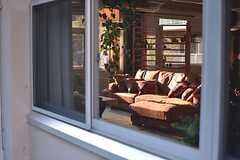 窓から見たソファスペース。(2015-03-02,共用部,OTHER,1F)
