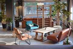 いろんなテイストの家具が並びます。(2015-03-02,共用部,LIVINGROOM,1F)