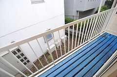 ベランダの床はレトロな風合いです。(2012-04-03,共用部,OTHER,2F)