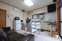ダイニングはキッチンと一体です。(2013-07-23,共用部,LIVINGROOM,1F)