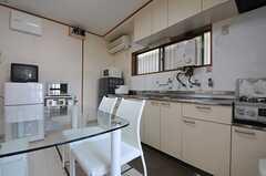 キッチンの様子。(2013-07-23,共用部,KITCHEN,1F)