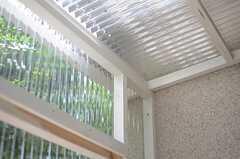 屋根付きなので、雨風はしのげます。(101号室)(2013-07-23,専有部,ROOM,1F)