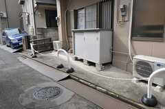 自転車置き場の様子。(2012-02-15,共用部,GARAGE,1F)