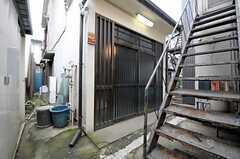 シェアハウスの正面玄関。(2012-02-15,周辺環境,ENTRANCE,1F)