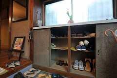 靴箱の様子。(2012-02-15,周辺環境,ENTRANCE,1F)