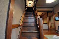 玄関脇の階段の様子。(2012-02-15,共用部,OTHER,1F)
