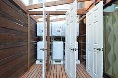 ドアを開けると、洗濯機&乾燥機が!(中は繋がっています)(2015-03-31,共用部,OTHER,1F)