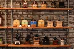 コーヒーミルがたくさん用意されています。(2015-07-07,共用部,LIVINGROOM,8F)