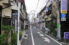 西武池袋線・東長崎駅からシェアハウスへ向かう道の様子。(2010-08-06,共用部,ENVIRONMENT,1F)