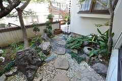 庭の様子。(2014-12-13,共用部,LIVINGROOM,1F)