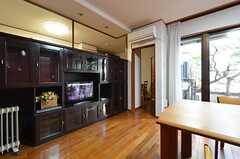 ダイニングの奥にキッチンがあります。(2014-12-13,共用部,LIVINGROOM,1F)