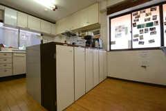 キッチン収納の様子。(2014-10-30,共用部,KITCHEN,1F)
