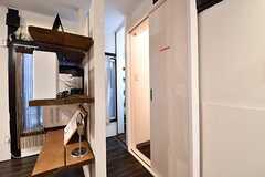 洗面室とシャワールームが並んでいます。(2017-01-18,共用部,OTHER,1F)