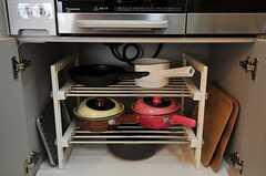 鍋類はコンロ下に収納されています。(2011-04-04,共用部,KITCHEN,1F)